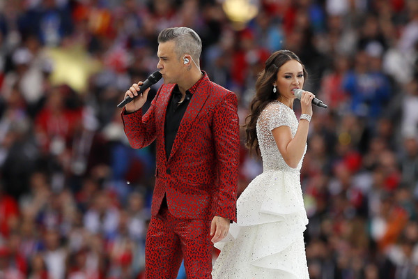 Robbie+Williams+Aida+Garifullina World cup-2018