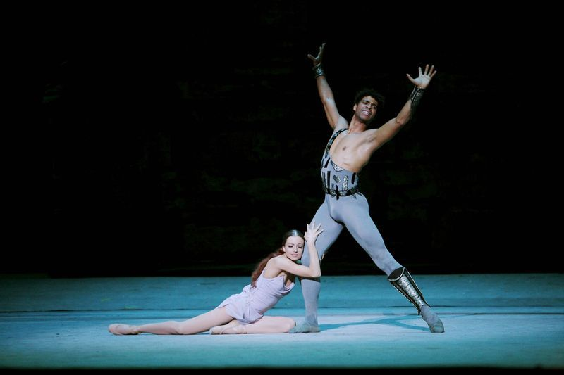 Carlos Acosta and Nina Kaptsova in Yuri Grigorovich's Spartacus. Photo (c) Sébastien Mathé